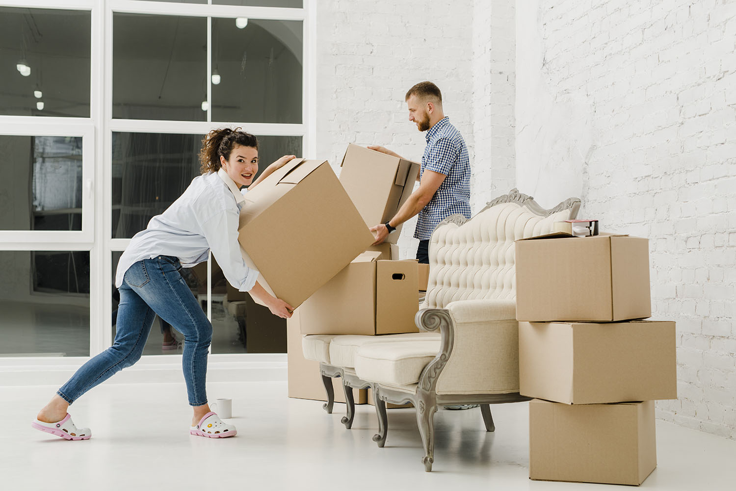 Choosing Moving Companies: 5 Helpful Tips